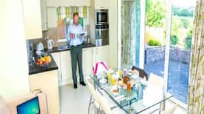 Fridge, microwave, dishwasher, toaster