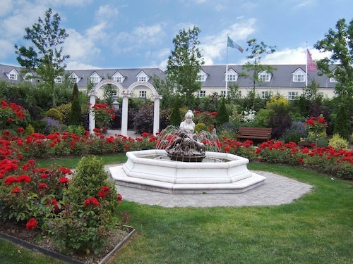 Abbey Court Lodges, Dublin Road, Nenagh, Co.tipperary - 8 Bed Lodge - Sleeps 16
