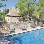 4 Bedroom Accommodation in Lacoste
