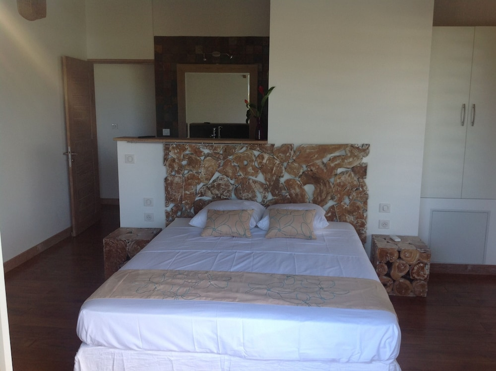 Villa Paille En Queue 4 Luxurious Villa With Sea View Pool In