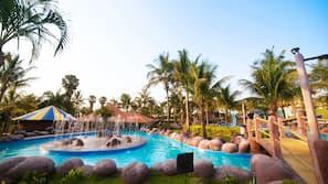 2 piscinas internas, 2 piscinas externas