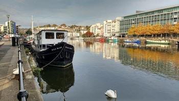 Wapping Wharf, Museum Street, Bristol, BS1 6GW, England.