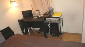 1 間臥室、保險箱、書桌、熨斗/熨衫板
