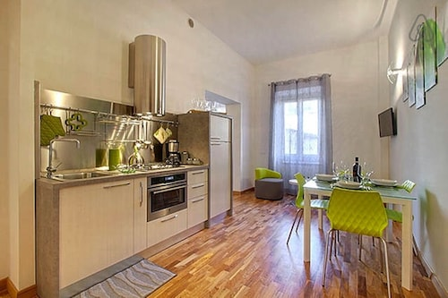 Elegant Apartment In The Noblest District Of Florence