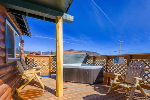 Check Expedia for Availability of Lovely log Cabin With Private hot tub & Deck - Dogs, Hikers & Skiers Welcome!
