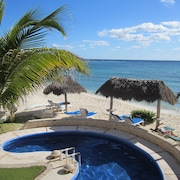 Beachfront, Gorgeous Condo in Akumal-half Moon Bay 2 BR, 2 BA With Pool