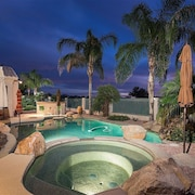 *SANITIZED* Hole in One/ Palm Valley Golf Home/ 4 BR/ PVT Pool/ Jacuzzi/ Goodyear