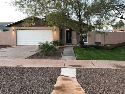 Check Expedia for Availability of Completely Remodeled Home in Downtown Phoenix