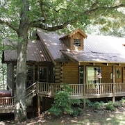 Magical Log Cabin Home On Wooded Creek With Waterfall!