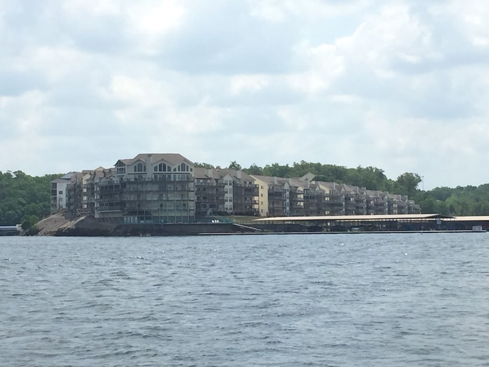 Central Osage Beach Ledges Condo Quiet Cove Boat Slip Wi Fi 7th Night Free 0 Out Of 5