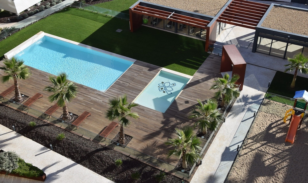Pool, * River Terraces * Superb residence in the south bay of Lisbon, on the banks of the Tagus River