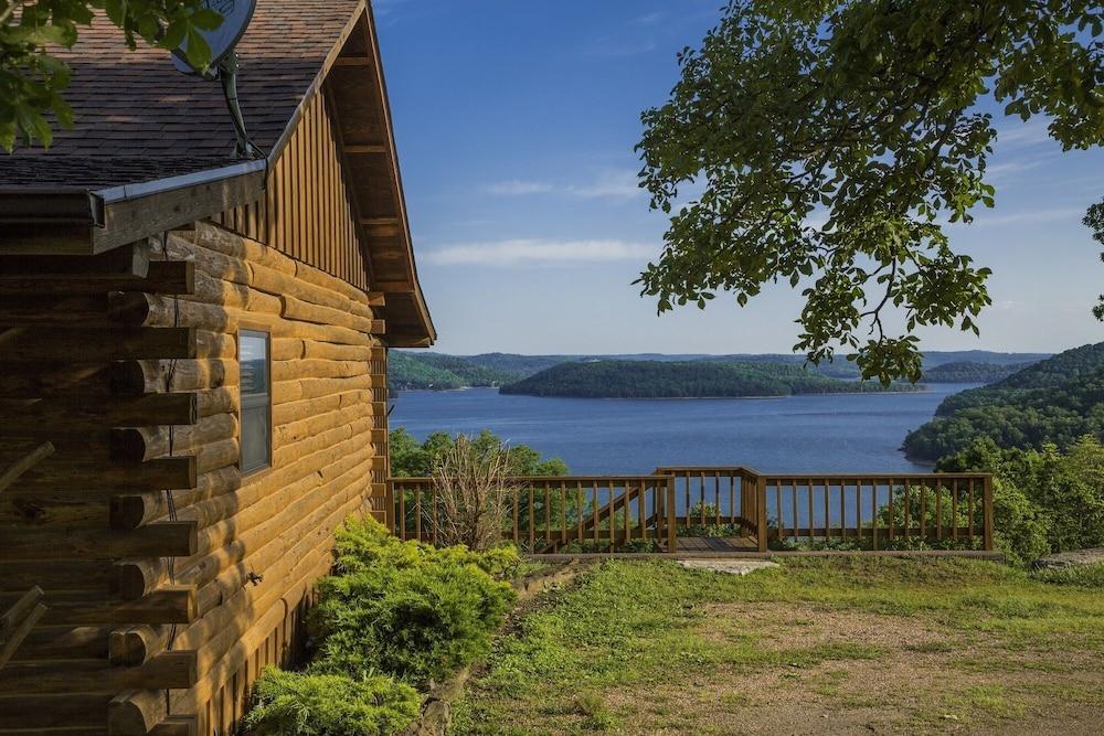 b tulsabedandbreakfast com kitchen cabin beaver meadowlakeranch cabins on cabinonekitchen lake