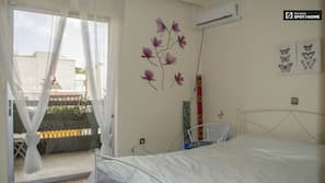 3 bedrooms, iron/ironing board, cribs/infant beds, Internet