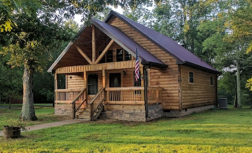 Wildcat Cabin Getaway Near Kentuckys Historical Attractions and State Parks