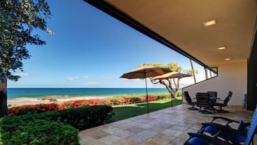 Amazing Ground Floor Beach Front Unit - Makena Surf B-101