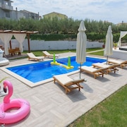House With big Private Swimming Pool, Big BBQ Area