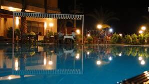 Seasonal outdoor pool, open 8 AM to 8 PM, free cabanas, pool umbrellas