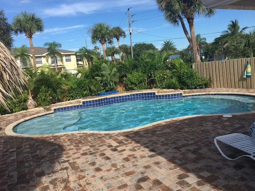 Gorgeous Cocoa Beach House W/ Heated Pool-short Walk to Beach!