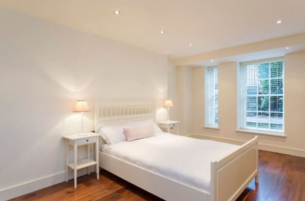 The liam neeson suite by 5starstay dublin irlande expedia.fr