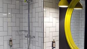 Rainfall showerhead, hair dryer, towels