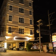 Submukdaphoomplace Hotel