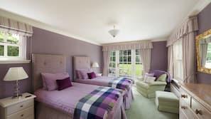 6 bedrooms, cots/infant beds, Internet