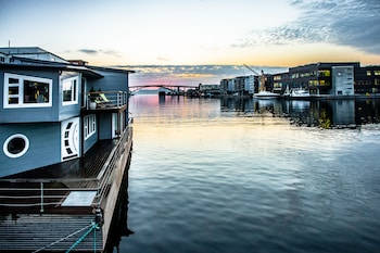 Floating House Bergen