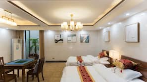 1 bedroom, desk, blackout drapes, free WiFi