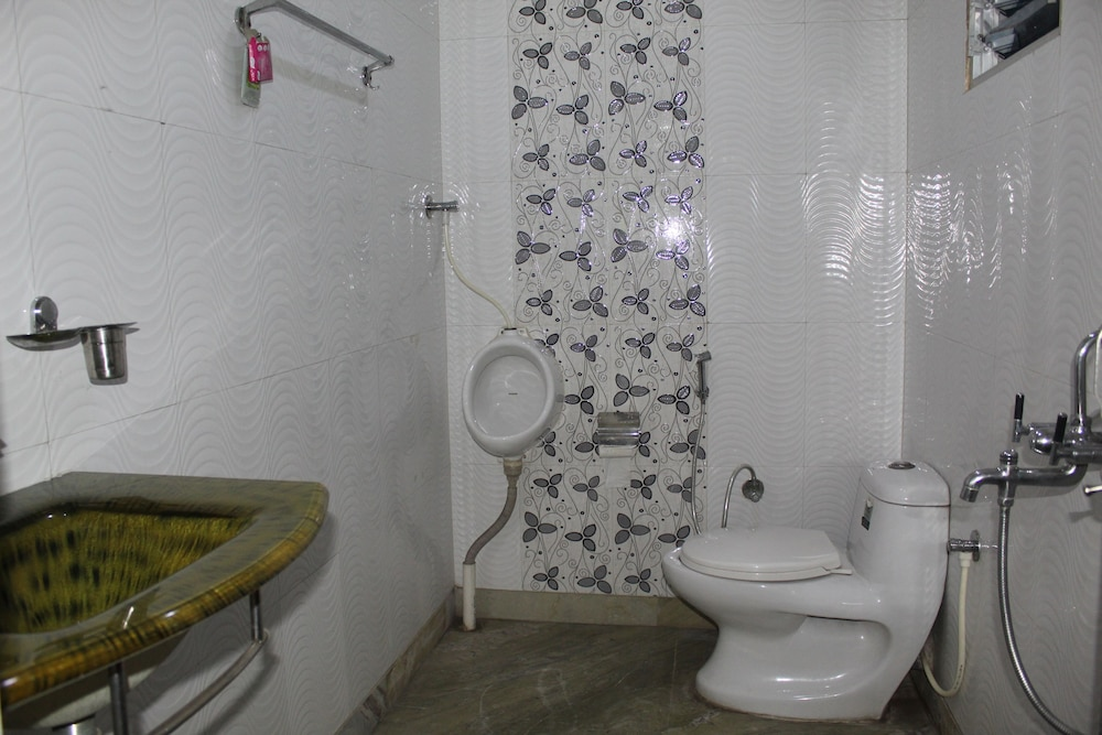 Bathroom, Kalpana Inn