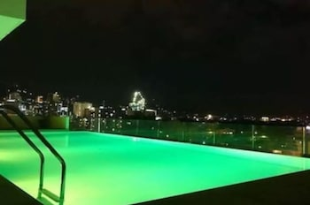 Cebu Infinity Pool Near Mall