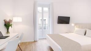 13 bedrooms, desk, rollaway beds, free WiFi