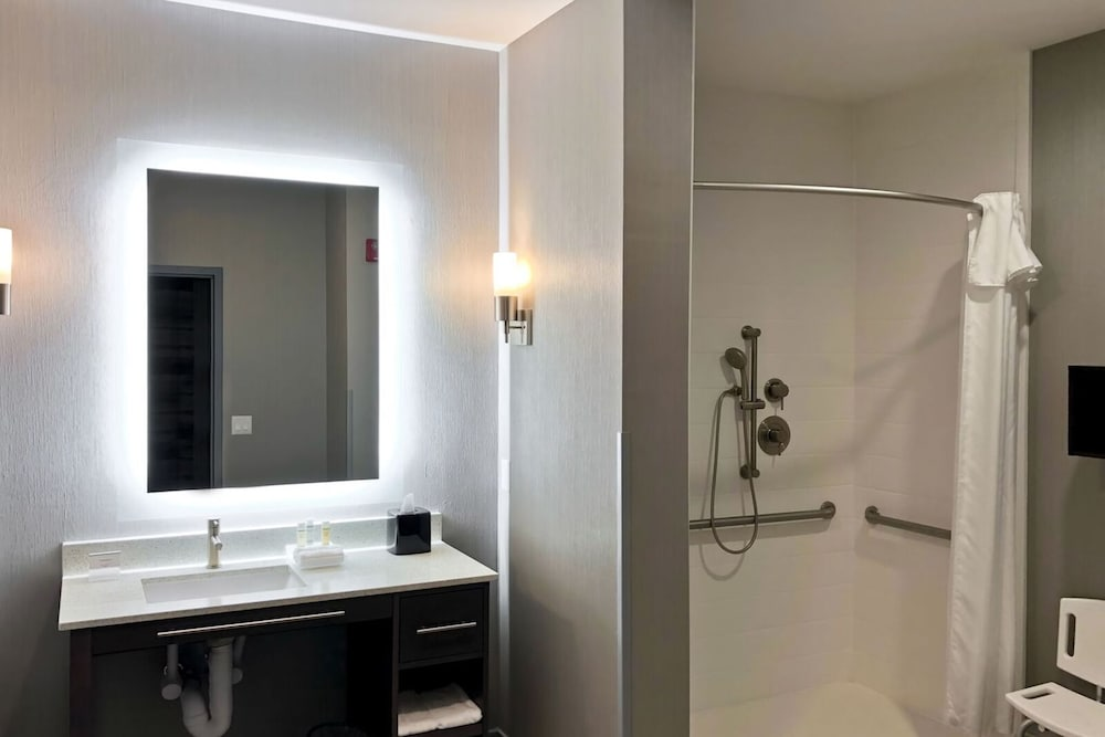 Bathroom Shower, Homewood Suites by Hilton Conroe