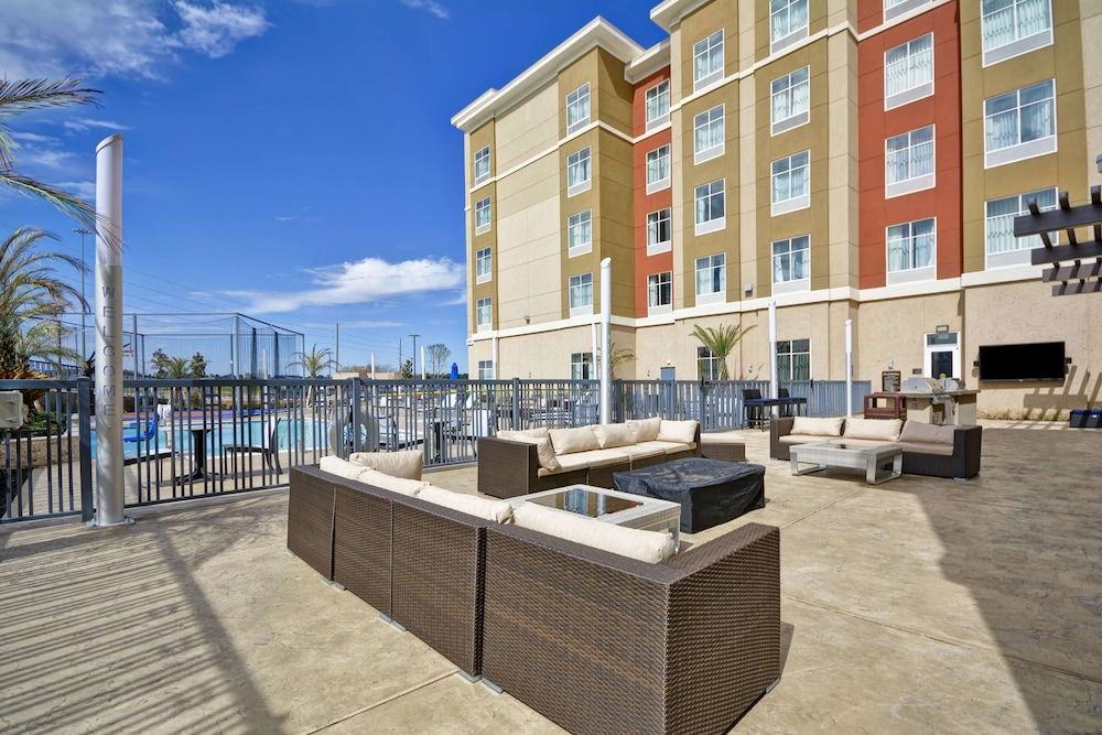 Terrace/Patio, Homewood Suites by Hilton Conroe