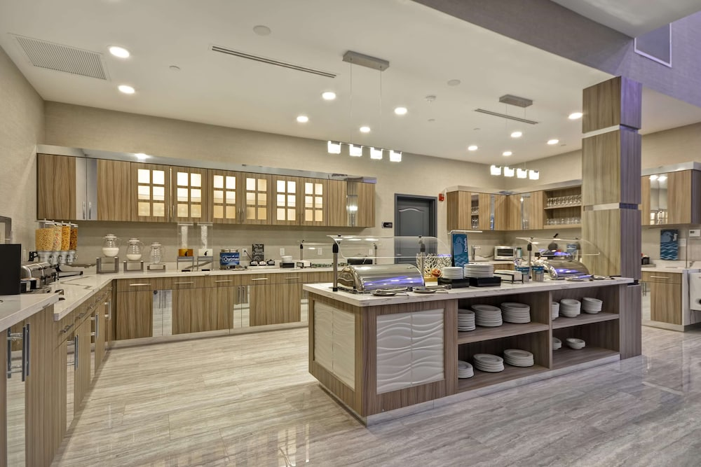 Breakfast buffet, Homewood Suites by Hilton Conroe