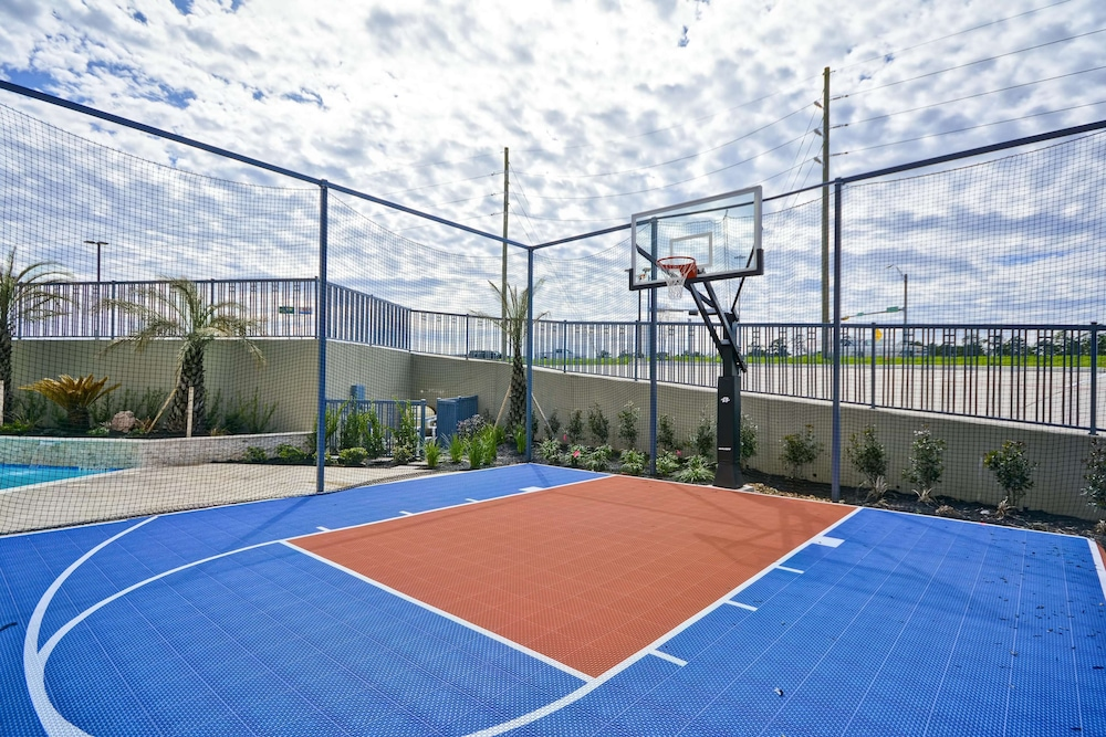 Sport Court, Homewood Suites by Hilton Conroe