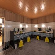 ห้องอาบน้ำสาธารณะ