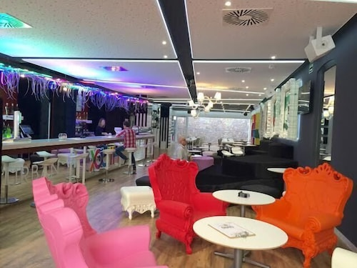 Valencia Lounge Hostel : Urban youth hostel valencia great rates at expedia ie