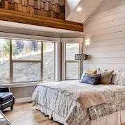 Expansive Bear Lake Luxury Cabin - Sleeps 31 - Beach Access, Pool, Hot-tub, and Sport Courts