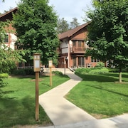 Crystal Mountain Pinehurst Family Condo Near Traverse City