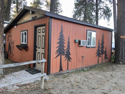 Lumberjack Bunkhouse...in the Heart of Coeur D'alene