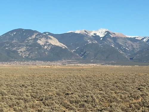 New House ,great Views,near Taos Mesa Brewpub