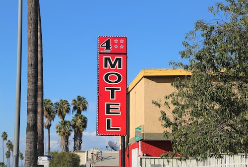 Check Expedia for Availability of 4 Star Motel