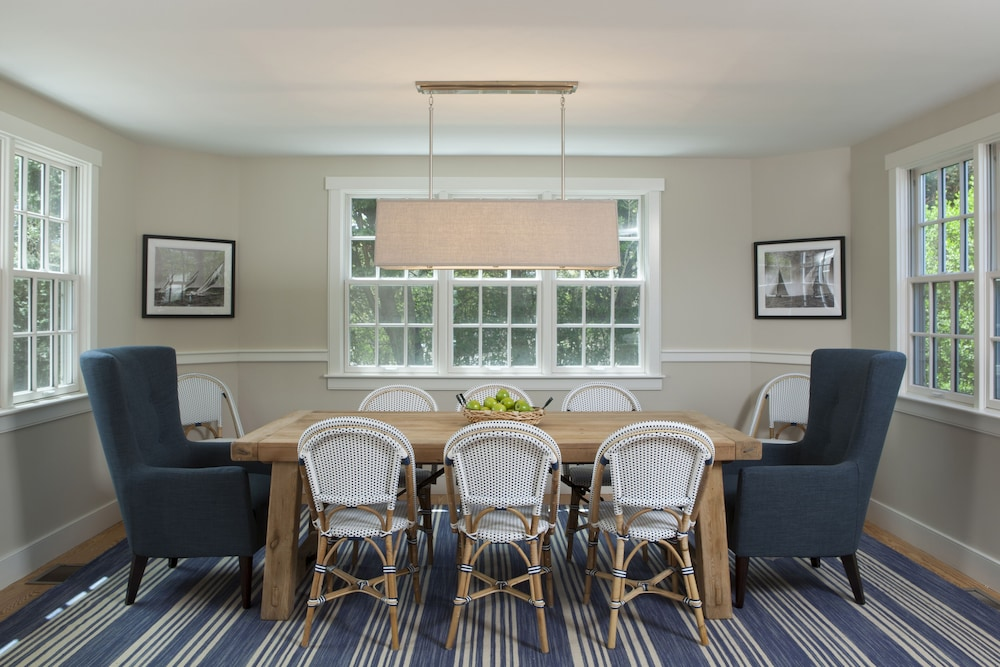 In-Room Dining, Beautifully Furnished & Impeccably Maintained 5 Bed, 3 1/2 Bath Nantucket Home