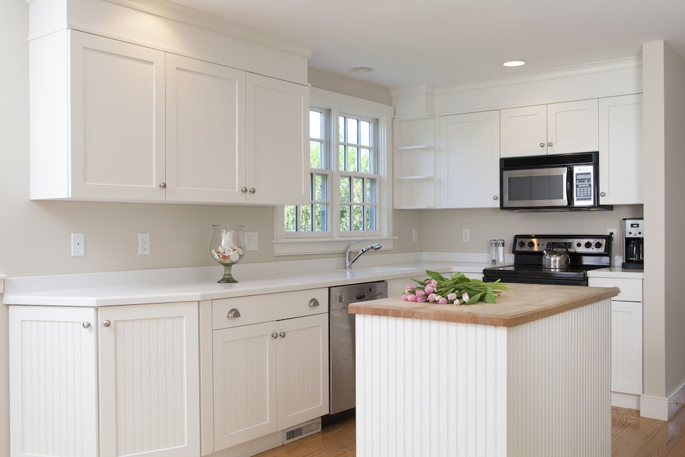 Private Kitchen, Beautifully Furnished & Impeccably Maintained 5 Bed, 3 1/2 Bath Nantucket Home