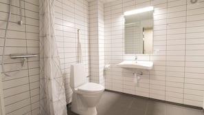 Shower, heated floors