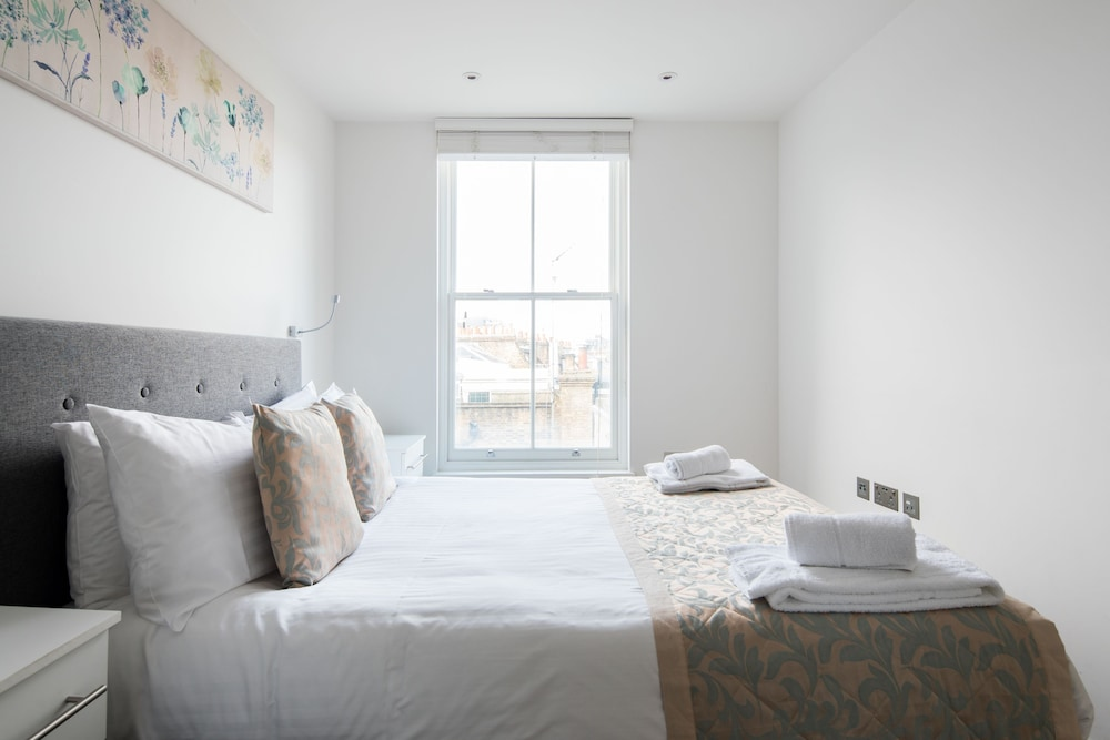 Citadel Apartments St Pancras 3 5 Out Of 0 Hotel Front Featured Image Guestroom