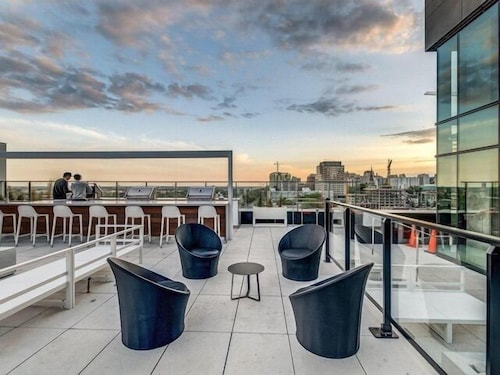 Hotels Near Bell Centre Tour Des Canan Luxury Sky Condos