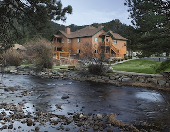 Two BR Luxury Condo Estes Park Colorado