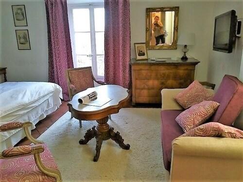 La Nesquière Chambres Du0027hôtes (Pernes Les Fontaines, FRA) | Expedia.com.au