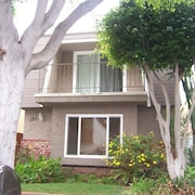 Charming Beach House 1/2 Block From the Pacific Ocean in Seal Beach